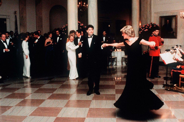 John Travolta, Prinzessin Diana (†37)
