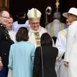 La Fête du Prince 2019: Die royale Familie wird vom Bischof Bernhard Barsi persönlich in der Kathedrale von Monaco begrüßt.