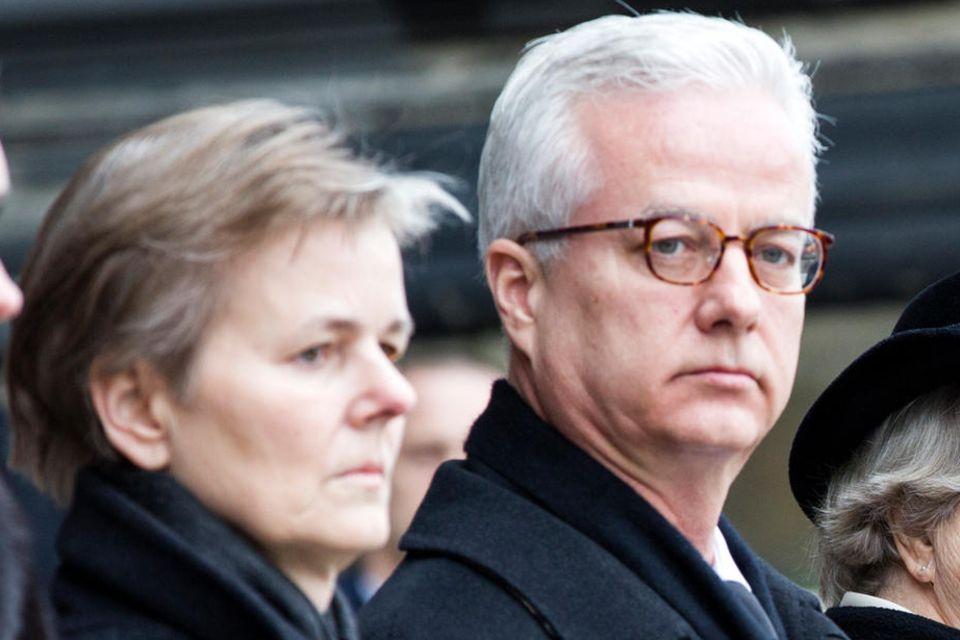 Fritz von Weizsäcker (Mitte) mit seiner Schwester Beatrice (2.v.l.), seiner Mutter Marianne (2.v.r.) und dem damaligen Bundespräsidenten Joachim Gauck bei der Beerdigung seines Vater Richard von Weizsäcker 2015.