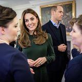 """Der Kensington Palast überrascht mit diesen Fotos von Kate und William und den Nominierten der """"Tusk Awards"""". Die abendliche Veranstaltung hatte Herzogin Catherine kurzfristig """"wegen der Kinder"""" verpassen müssen, Prinz William kam alleine - was natürlich für Spekulationen sorgte."""