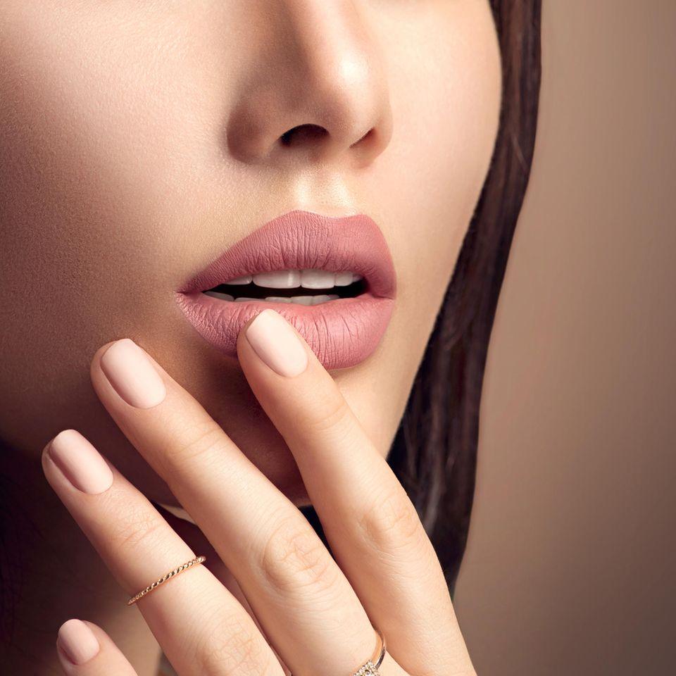 Ballerina Nails liegen ganzjährig im Trend.