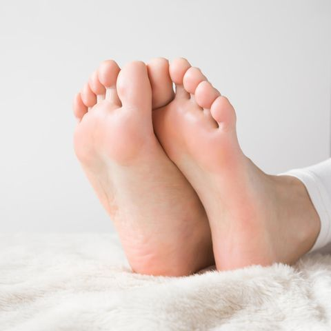 Schöne gepflegte Füße dank Hausmittel gegen Fußpilz.