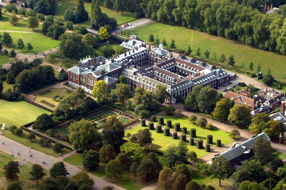 Unten rechts im Bild befindet sich die 323 Jahre alte Orangerie von Queen Anne des Kensington Palastes. Hier dürfen bald Schulkinder in einem Bildungszentrum mehr über die britische Königsfamilie lernen.