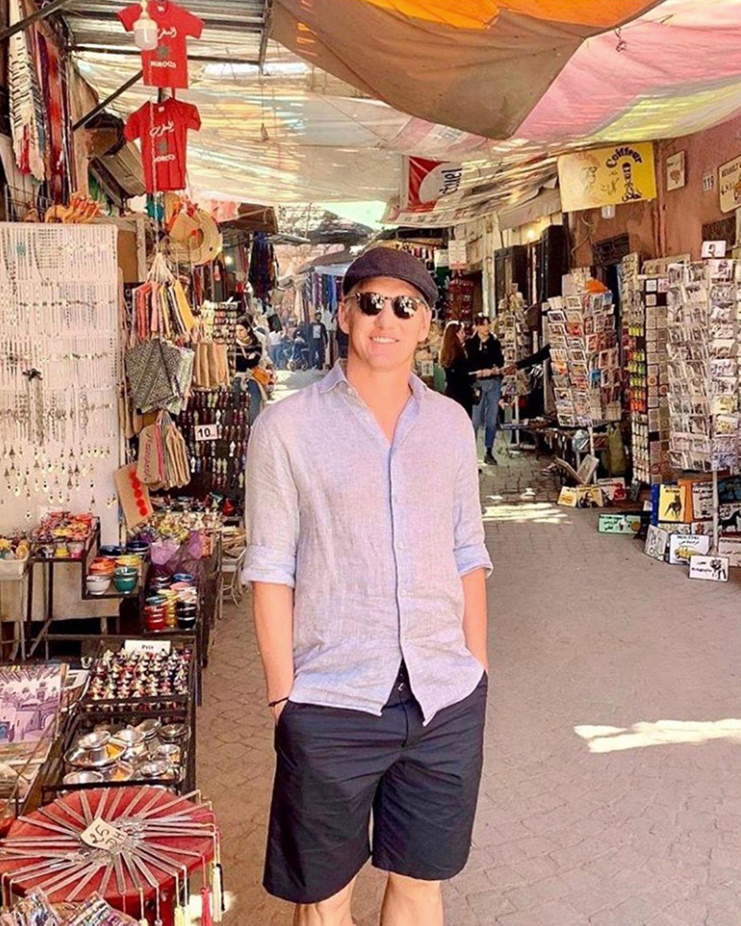29. November 2019  Wer schon einmal in Marrakesch war, weiß wie bezaubernd die Stadt mit ihren Souks in der Altstadt ist. Bastian Schweinsteiger ist auch ein Fan.