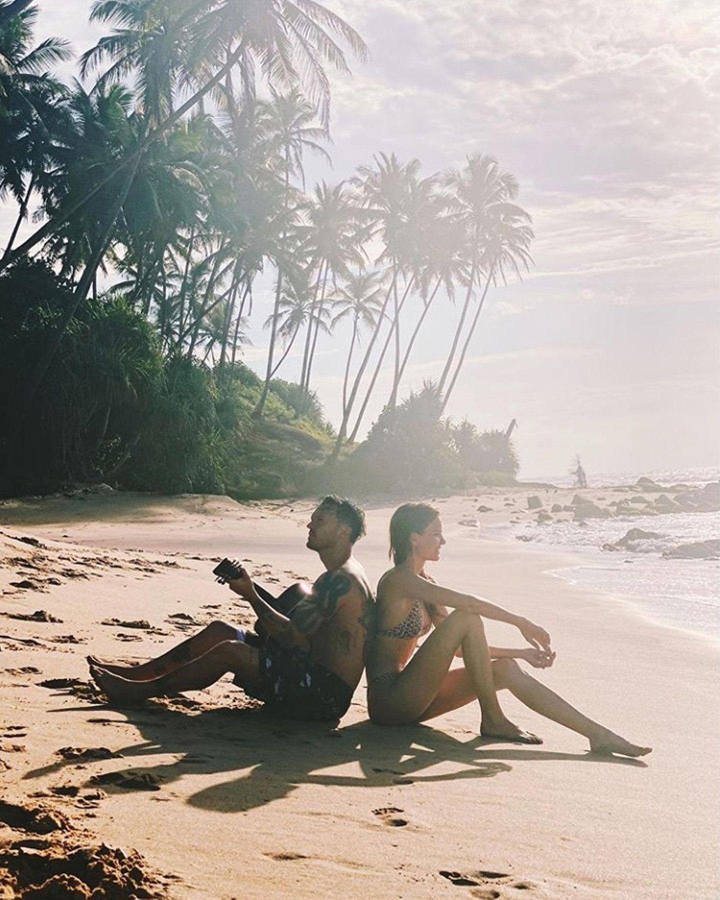 29. November 2019  Topmodel Josephine Skriver bedankt sich bei ihrem Verlobten Alexander DeLeon dafür, dass er mit ihr rund um den Globus reist. Und wenn dabei so traumhafte Strandfotos entstehen, freuen sich auch ihre Instagram-Fans.