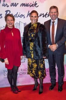Elegant und trotzdem warm eingepackt: Beim Konzert zum 40. Jubiläum des Konzerthauses Berwaldhallen in Stockholm trägt Prinzessin Victoria ein Kleid des Labels Dagmar und darüber eine Kunstpelz-Jacke von Unreal Fur Wanderlust