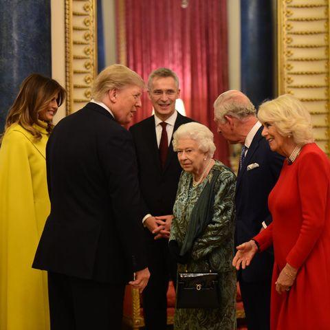 Queen Elizabeth empfängt an der Seite von Prinz Charles und Herzogin Camilla das US-Präsidentenpaar Donald und Melania Trump am 3. Dezember 2019 im Buckingham Palast.