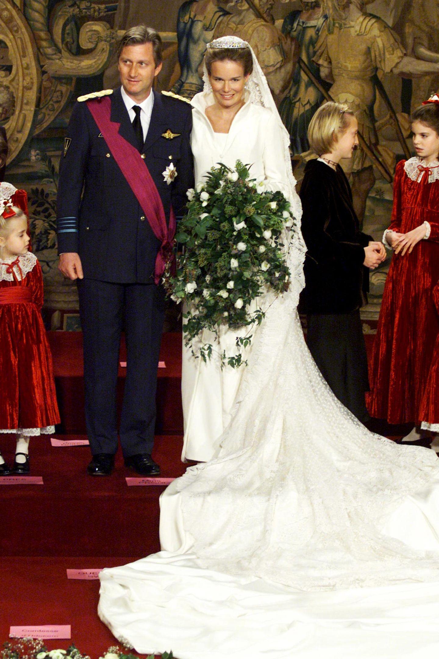 4. Dezember 2019  Königin Mathilde und König Philippe feiern heute bereits ihren 20. Hochzeitstag. Das Paar hat sich am 4. Dezember 1999 in der Brüsseler Kathedrale St. Michael und St. Gudula das Jawort gegeben.