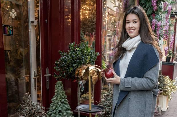Denweihnachtlichen Flair in Amsterdam genießt die 20-Jährige in vollen Zügen