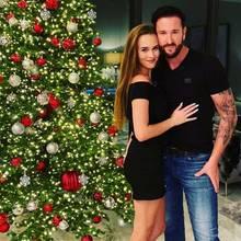 Diesen süßen Adventsschnappschuss postet Michael Wendler mit seiner Freundin Laura Müllerauf seinem Instagramprofil