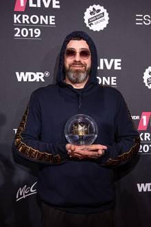 "5. Dezember 2019  Rapper Sido kann sich über seinen 1Live-Krone Award als ""Bester Künstler"" freuen."