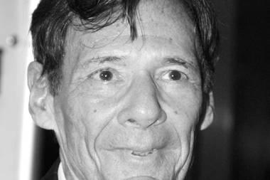 """6. Dezember 2019: Ron Leibman (82 Jahre)  Hollywood-Schauspieler Ron Leibman ist unerwartet an den Folgen einer Lungenentzündung verstorben. Während seiner langen Karriere in diversen TV-Hitserienwurde er vor allem durch seine Rollen in """"The Sopranos"""" sowie der Kult-Sitcom""""Friends"""" einem breiten Publikum bekannt. Für die von ihm entwickelteSerie """"Kaz & Co"""" erhielt er zudem den Emmy Award."""