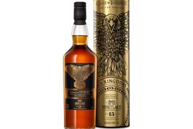 """Westeros' Schicksalwird nach sieben Staffeln """"Game of Thrones"""" mit einem fulminanten Finale besiegelt. Fans der Erfolgsserie dürften diese limitierte Abfüllung mit Vanille- und Gewürznoten besonders schätzen. """"Six Kingdoms - Mortlach Single Malt Scotch Whisky"""" von Diageo, ca. 135 Euro (über real.de)"""