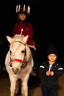13. Dezember 2019  Der Anblick der beiden süßen Schweden-Royals bringt in jedem Fall viel Licht in die Herzen ihrer Fans.