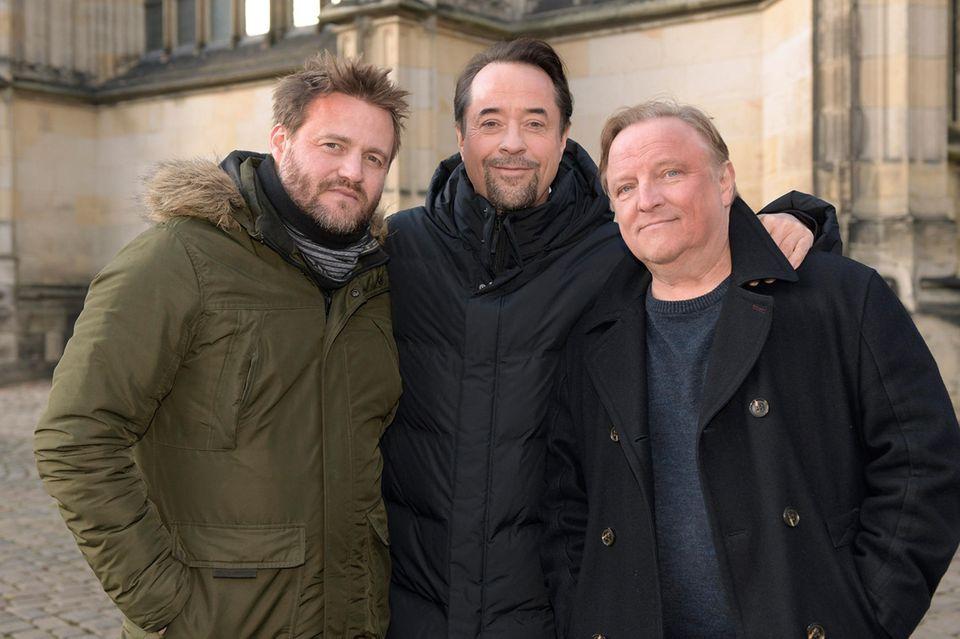 """Waren es tatsächlich die letzten """"Tatort""""-Dreharbeiten vonJan Josef Liefers(Mitte)? Und wie geht es dann mit Hauptkommissar Frank Thiel (Axel Prahl, r.) weiter? Sicher ist bislang nur: Regie führte Max Zähle (l.)"""