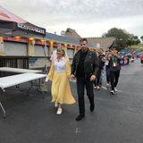 """Olivia Newton-John und John Travolta schlüpfen zur großen Freude der Fans, bei einem Event in Florida, wieder in die Rollen von """"Sandy Olsson"""" und """"Danny Zuko""""."""