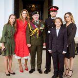 11. August 2017  Eine stolze Königsfamilie ist ins englische Camberley gereist, um Kronprinz Husseins Abschluss an der Militärakademie Sandhurst zu feiern.