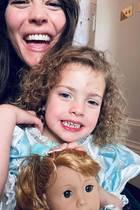Gestatten, Prinzessin Lula! Liv Tyler zeigt auf Instagram, wie vernarrt sie in ihre süße Tochter ist. Der Lockenkopf wird im Juli 2020 schon ganze vier Jahre alt.