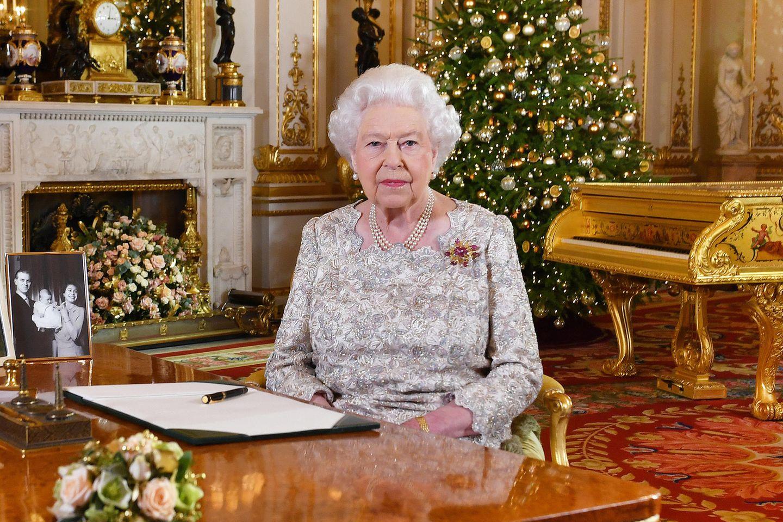 Queen ElizabethII bei ihrer Weihnachtsansprache 2018 im White Drawing Room des Buckingham Palasts.