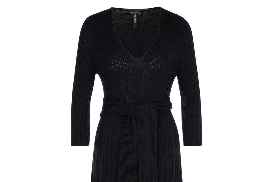 So warm und so weich: Kollegin Lara wollte das Woll-Kleid gar nicht mehr ausziehen.