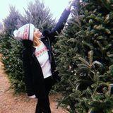 Reese Witherspoon liebt diese weihnachtliche Tradition:Wie jedes Jahr sucht sie zusammen mit ihrer Familie den perfekten Baum aus.