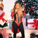 2019  Bloß nicht zu viel tanzen, Mariah, sonst könnte die hautenge Uniform nachgeben.