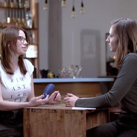Johanna Rief, Head of Sexual Empowerment bei Wowtech, und GALA-Redakteurin Lara.