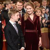Prinzessin Elisabeth mit ihrem vier Jahre jüngerenBruder Prinz Emmanuel beim Weihnachtskonzert im Royal Palast in Brüssel.