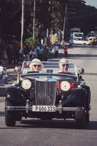 Das ungewohnt lässige Bild von Prinz Charles und Herzogin Camilla entstand während ihrer Karibikreise auf Havanna. Losgelöster könnte der Weihnachtsgruß der beiden nicht sein.