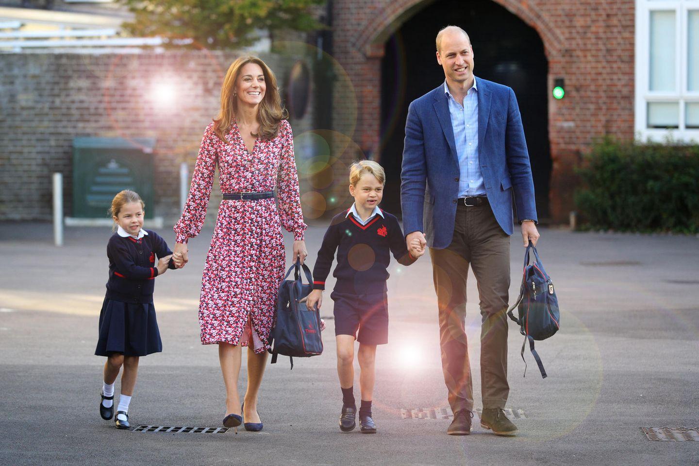 Familie Cambridge: Charlotte, Catherine, George und William.
