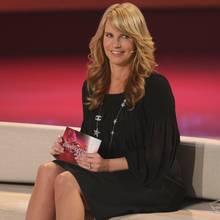 """So kennen wir sie aus dem Fernsehen: Linda de Mol moderierte von 1992 bis 2000 die Erfolgsshow """"Traumhochzeit"""". 2008 gab es ein einmaliges Pilotprojekt des ZDF, aus dem dieses Foto entstanden ist. ElfJahre später ...."""