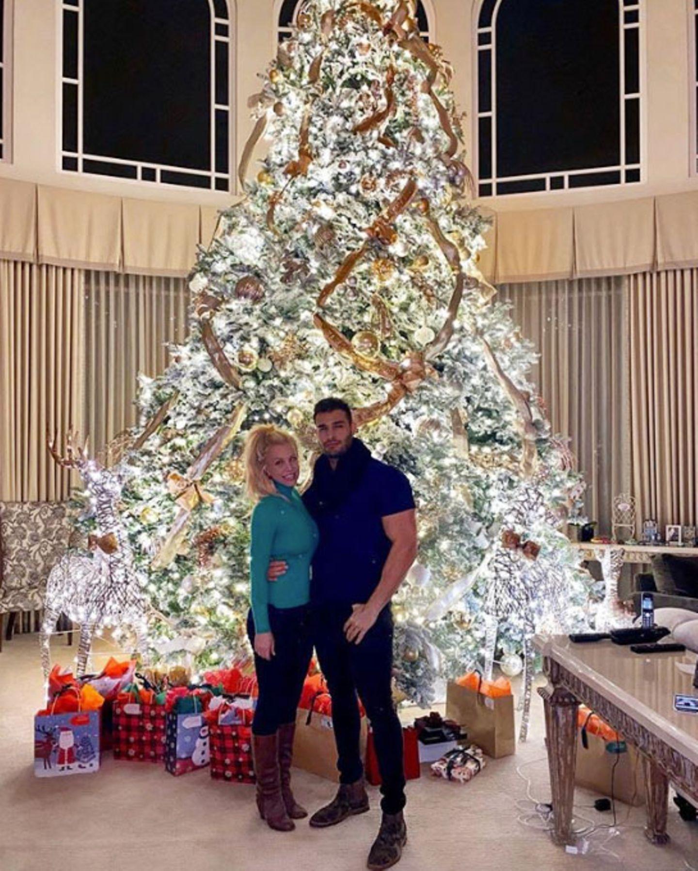 Grund zum Strahlen: Britney Spears feiert bereits das dritte Weihnachten an der Seite von Beau Sam Asghari.