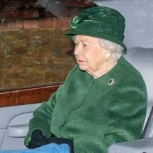 Queen Elizabeth auf dem Weg zumGottesdienstin Sandringham