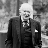 """22. Dezember 2019: Tony Britton (95 Jahre)  Der britischeFilm- und Theaterschauspieler. Anthony Edward Lowry """"Tony"""" Britton istim stolzen Alter von 95 Jahren gestorben. Bekannt wurde der Charakterdarsteller durch Filme wie """"Der Schakal"""" und """"Das Geheimnis der Agatha Christie"""". Zudemspielte er in der beliebten BBC-Sitcom """"Don't Wait Up"""" und machte sichauch als Comedian einen Namen."""