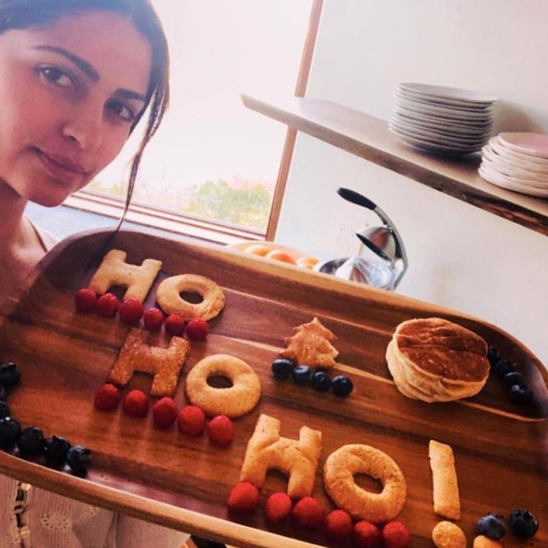 HoHo Ho! Camila Alves-McConaughey hat für die ganze Familie gebacken.