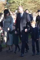 Prinz Charles begleitet seinen Sohn William und seine Familie.