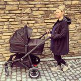 Miriam Neureuther zeigt sich im winterlichen Look auf Instagram – bald kommt ihr zweites Baby zur Welt.