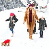 Michelle Hunziker unternimmt mit ihrer Familie - im wahrsten Sinne des Wortes - einen Aus-Flugin den Schnee. Mit Kind und Kegel geht es für die Moderatorin perHelikopter in die verschneiten Alpen.