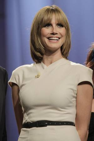 Fahle Haarfarbe und stumpfe Frisur: Heidi Klum sah 2010 älter aus als heute.