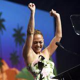 """2. Januar 2019  So schön kann Jennifer Lopez jubeln! Anlässlich derAwards-Gala desPalm Springs International Film Festival bekommt J.Lo den """"Spotlight Actress"""" -Award für ihre Hauptrolle in dem Film """"Hustler"""" verliehen, und ihre Freude darüber ist groß."""