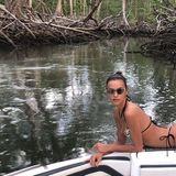 10. Januar 2020  Ganz entspannt schippert SupermodelIrina Shayk durch den Dschungel von Costa Rica. Zum Glück kam keinKrokodil auf die Idee, diesen Moment zu photobomben!