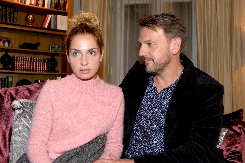 Eigentlich istNina(Maria Wedig) mitRobert(Nils Schulz) verlobt