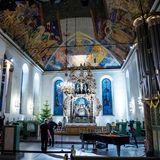 Im Inneren der Domkirche wird alles für die Trauerfeier am 3. Januar vorbereitet.