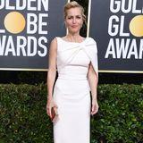 Gillian Anderson beweist, dass ein gut geschnittenes weißes Kleid immer ein Hingucker ist.