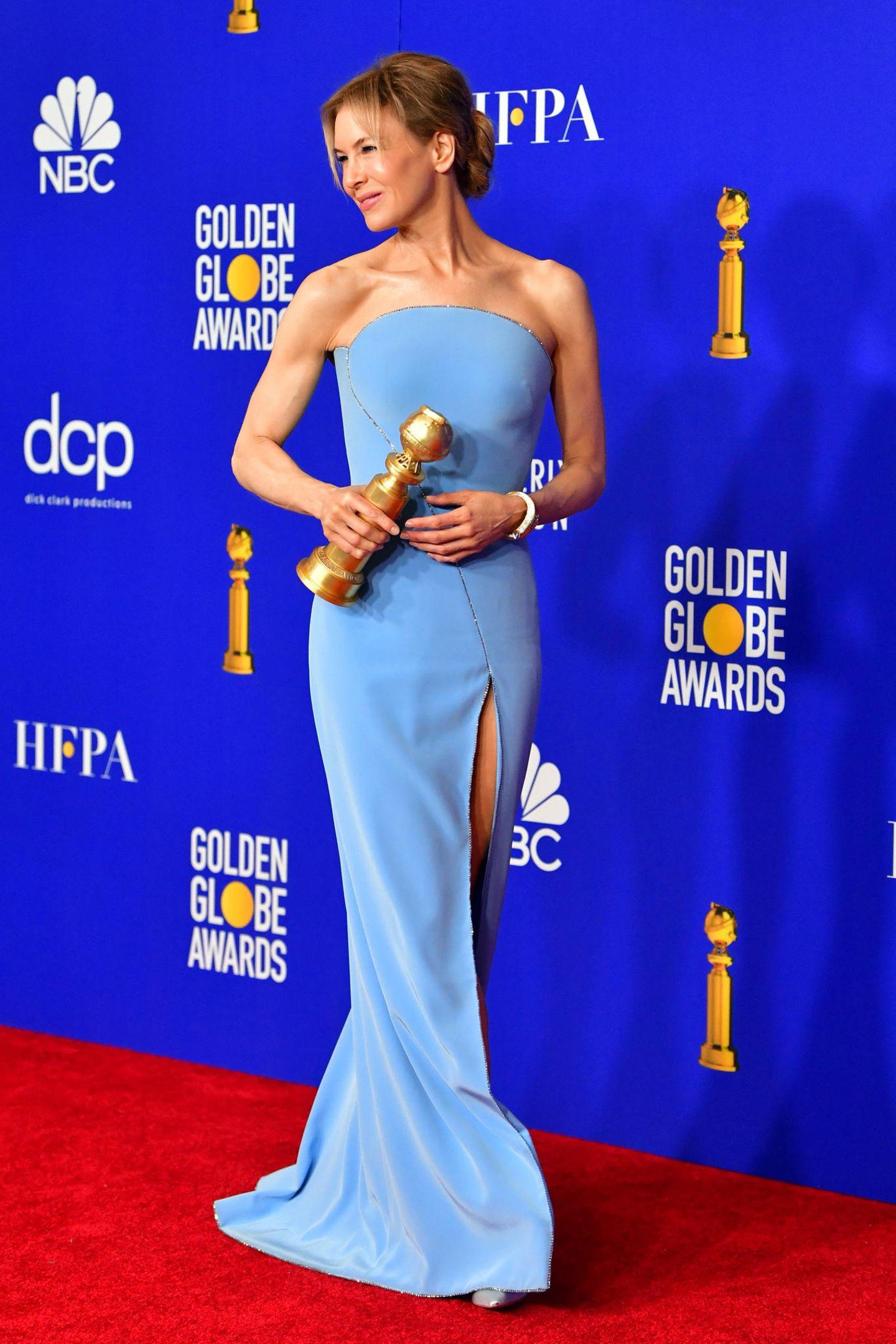 Eine wahre Hollywood-Schönheit ist Golden-Globe-Gewinnerin Renée Zellweger in ihrem Look von Armani Privé.