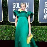 Wie ein Smaragd leuchtet Jodie Comer im ungewöhnlichen A-Linien-Dress von Mary Katrantzou.