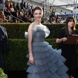 """Jojo Rabbit""-Star ThomasinMcKenzie bezaubert im graublauen Tüll-Look von Valentino Haute Couture."