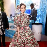 Blumiger könnte ein Look kaum sein: Kaitlyn Dever trägt ein Kleid von ValentinoHaute Couture.