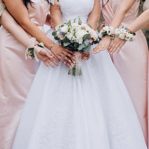Für eine Braut aus Großbritannien passt die Krebserkrankung ihrer Brautjungfer nicht ins Bild (Symbolbild)