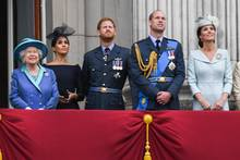 Prinz Charles, Herzogin Camilla Queen Elizabeth ll, Herzogin Meghan, Prinz Harry, Prinz William, Herzogin Catherine, Prinzessin Anne und Sir Tim Laurence